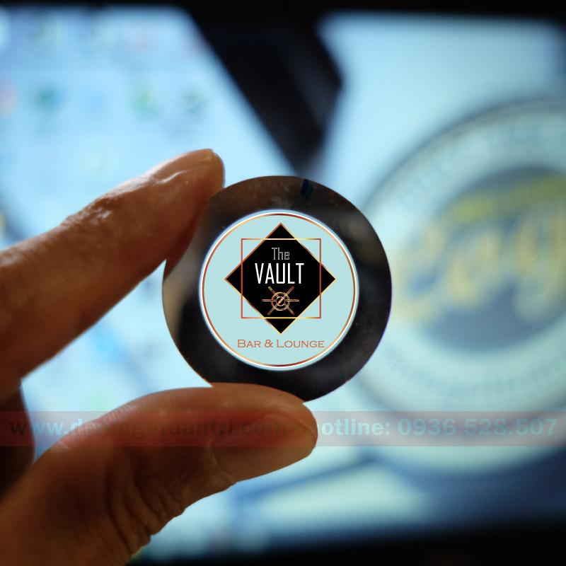 in ấn hoàn thành phim chiếu The Vault